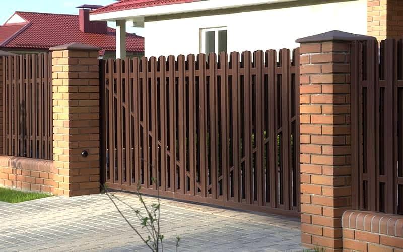 Ворота и забор из штакетника под ключ